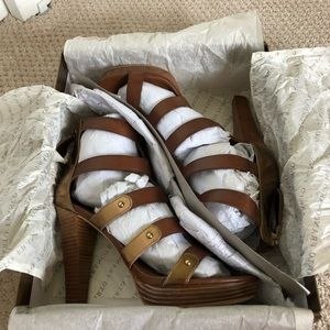 Franco Sarto bronze brown and gold heels